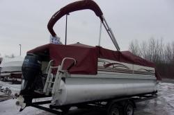 2005 - Sea Ray Boats - 220 Sundeck