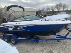 2019 - Monterey Boats - M-205
