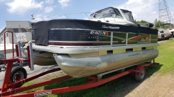 2013 - by Tracker Marine - Fishin' Barge 22 DLX Signature