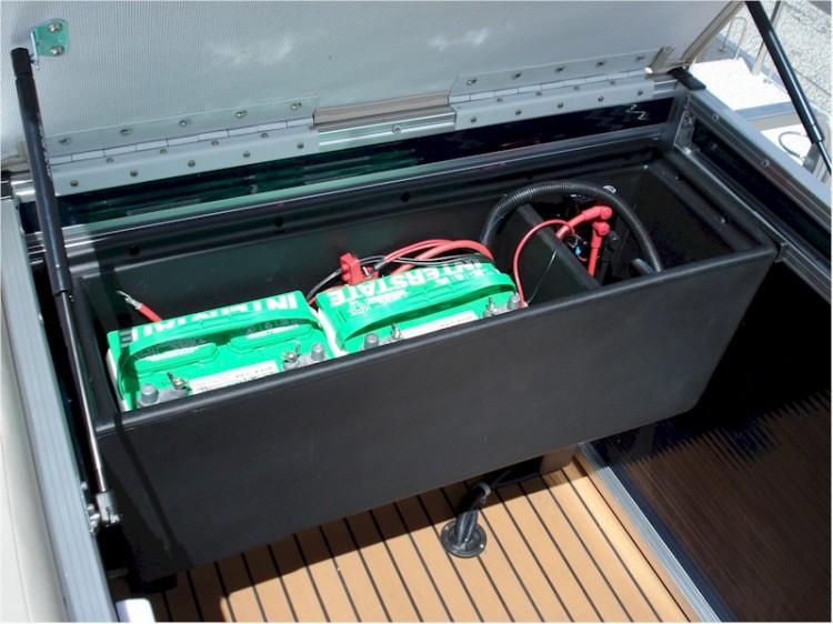 l_batterybox3