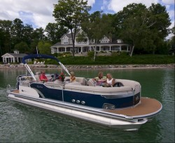 2011 - Avalon Pontoons - Excalibur 25