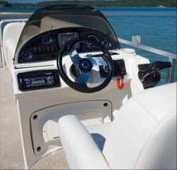 2011 - Avalon Pontoons - CT Bow Fish 18