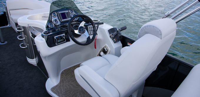 Research 2014 Avalon Pontoons 27 Ambassador Rear