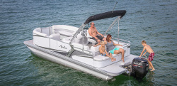 2015 - Avalon Pontoons - 22 LS Cruise