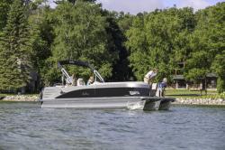 2017 - Avalon Pontoons - 23 Catalina Rear Lounger