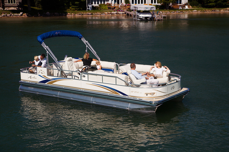 research avalon pontoons on iboats com rh boats iboats com Boat Light Wiring Diagram Pontoon Boat Wiring Diagrams Schematics