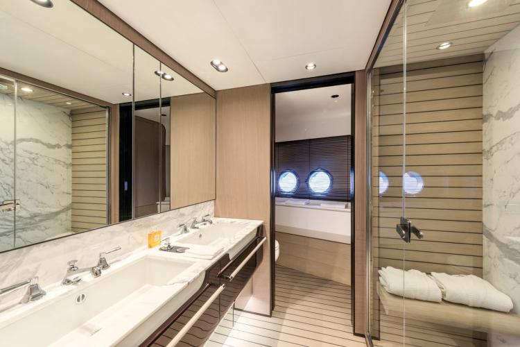 l_bathroom1