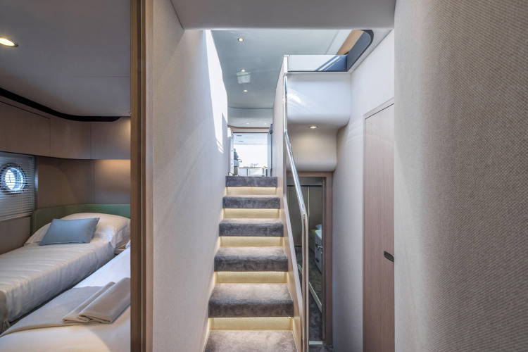 l_upstairs