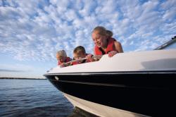 2010 - Bayliner Boats - 215 BR