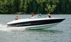 2011 - Bayliner Boats - 175 BR