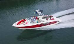 2013 - Bayliner Boats - 215 BR