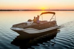 2019 - Bayliner Boats - Element XR7