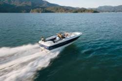Bayliner Boats Discovery 215 Bowrider Boat
