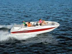 Bayliner Boats - 217 Outboard Deck Boat 2008