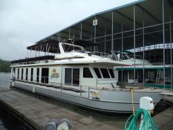 Legacy 75 Lake Yacht