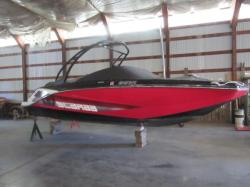 2016 -  Boat - 215 HO