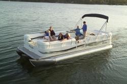 2010 - Bentley Pontoon Boats - 240 Cruise RE