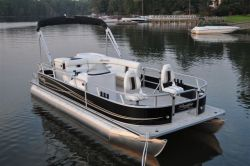 2011 - Bentley Pontoon Boats - 250 Elite Encore Fish RE