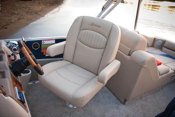 comimagesgalleryselecthelmslx-seat5