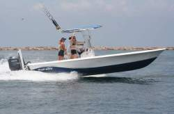 2009 - Blue Wave Boats - 2400 Pure Bay