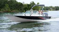 2010 - Blue Wave Boats - 220 Deluxe DC
