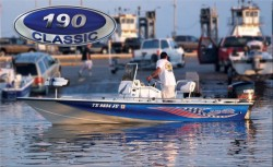 2012 - Blue Wave Boats - 190 Classic
