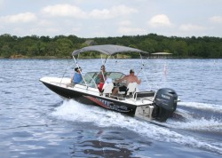 2012 - Blue Wave Boats - 220 Deluxe DC