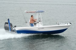 2012 - Blue Wave Boats - 2200 Pure Pay