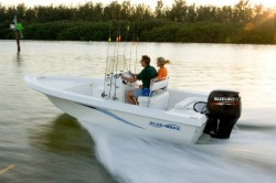 2012 - Blue Wave Boats - 1900 VLC
