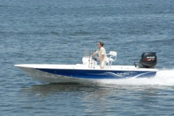 2017 - Blue Wave Boats - 1900 STL