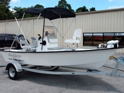 New 2018 161 Bay Center Console