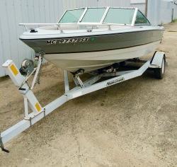 1988 - Rinker Boats - V180