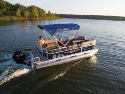 2022 Sun Tracker Party Barge® 18 DLX