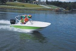 2010 - Boston Whaler Boats - 150 Super Sport