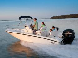 2011 - Boston Whaler Boats - 200 Dauntless