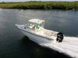 2012 - Boston Whaler Boats - 235 Conquest