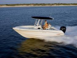 2012 - Boston Whaler Boats - 220 Outrage