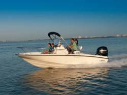 2013 - Boston Whaler Boats - 200 Dauntless