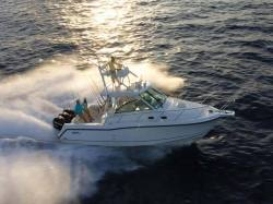 2013 - Boston Whaler Boats - 345 Conquest Open