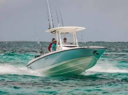 2014 - Boston Whaler Boats - 270 Dauntless