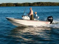 2015 - Boston Whaler Boats - 150 Montauk