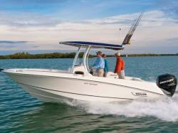 2015 - Boston Whaler Boats - 220 Outrage
