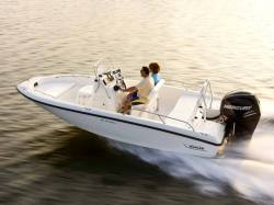 2015 - Boston Whaler Boats - 180 Dauntless