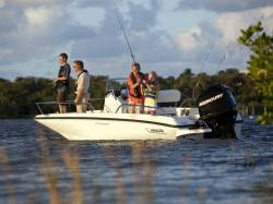 2015 - Boston Whaler Boats - 170 Dauntless
