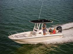 2015 - Boston Whaler Boats - 240 Dauntless