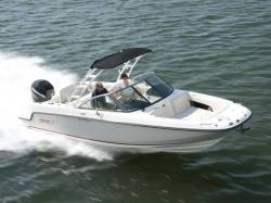 2015 - Boston Whaler Boats - 230 Vantage