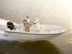 2015 - Boston Whaler Boats - 190 Outrage