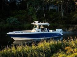 2018 - Boston Whaler Boats - 330 Outrage