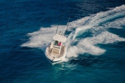 2019 - Boston Whaler Boats - 230 Outrage