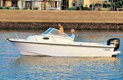 Boston Whaler Boats 205 Conquest Walkaround Boat